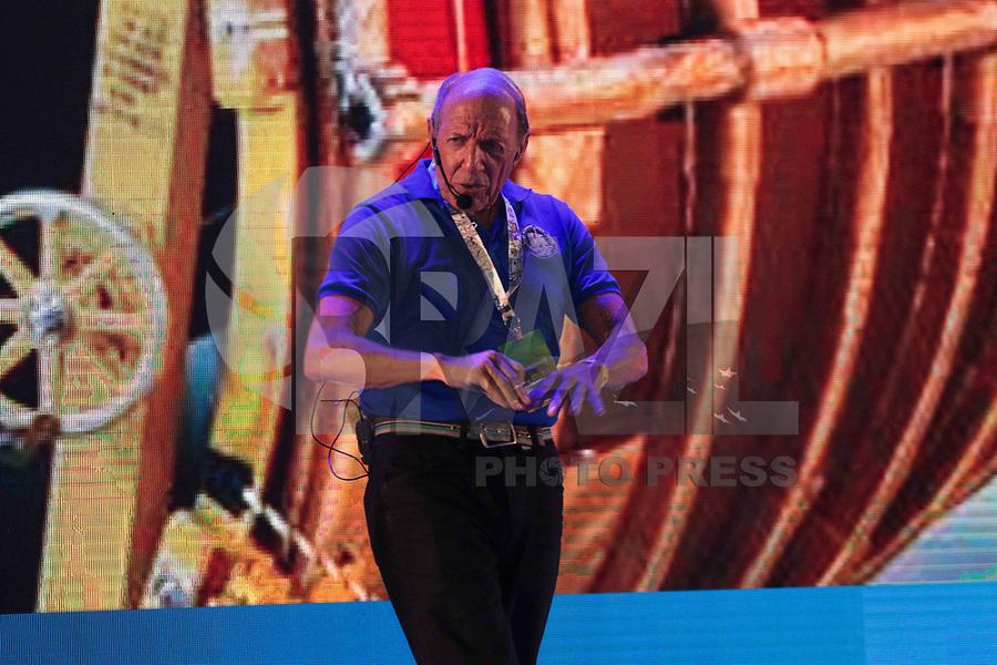 """SAO PAULO, SP - 15.02.2019 - CAMPUS PARTY - O engenheiro da NASA, George Gabrielle, conhecido como """"gabe"""" durante a Campus Party nesta sexta-feira (15) no Expo Center Norte na zona norte de Sao Paulo.<br /> <br /> (Foto: Fabricio Bomjardim / Brazil Photo Press / Folhapress)"""