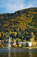 Oesterreich, Kaernten, Ossiacher See: Ossiach mit Stift Ossiach | Austria, Carinthia, Lake Ossiach: Ossiach with monastery Ossiach