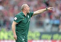 FUSSBALL   1. BUNDESLIGA  SAISON 2011/2012   6. Spieltag 1 FC Nuernberg - SV Werder Bremen         17.09.2011 Trainer Thomas Schaaf (SV Werder Bremen)