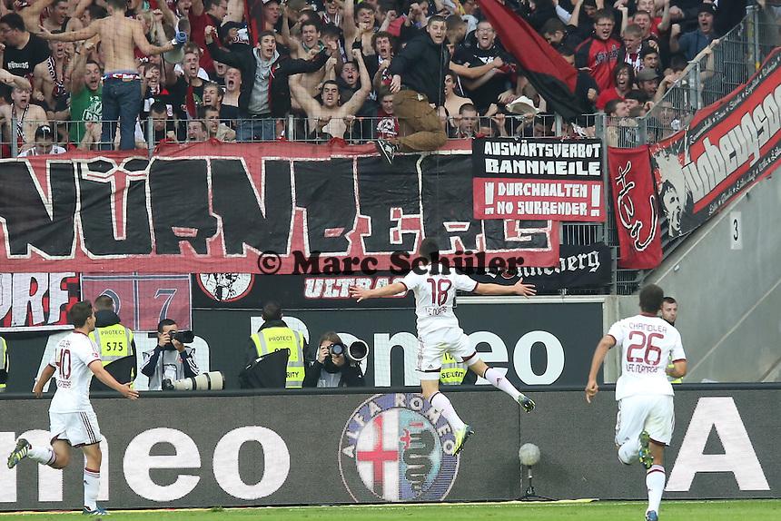 Josip Drnic (Nürnberg) erzielt das 1:1 gegen Kevin Trapp (Eintracht) und jubelt - Eintracht Frankfurt vs. 1. FC Nuernberg,