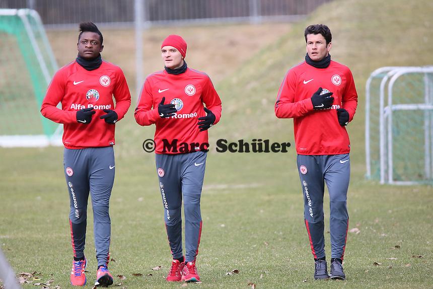 Die Verletzten David Kinsombi, Aleksandar Ignjovski und Nelson Valdez haben Spaß beim Lauftraining - Eintracht Frankfurt Training, Commerzbank Arena