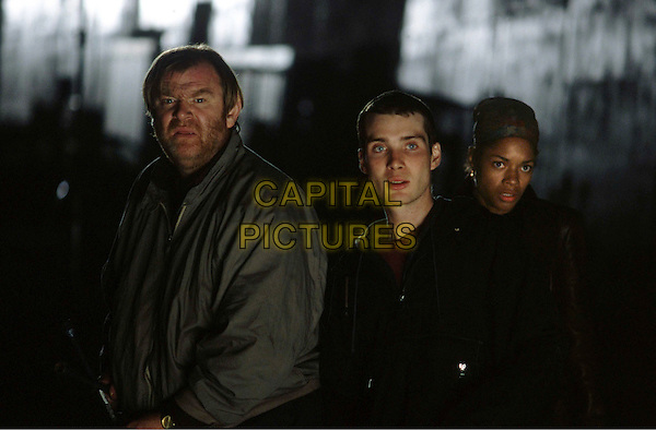 BRENDAN GLEESON.CILLIAN MURPHY.NAOMIE HARRIS.in 28 Days Later.Filmstill - Editorial Use Only.Ref: FB.sales@capitalpictures.com.www.capitalpictures.com.Supplied by Capital Pictures.