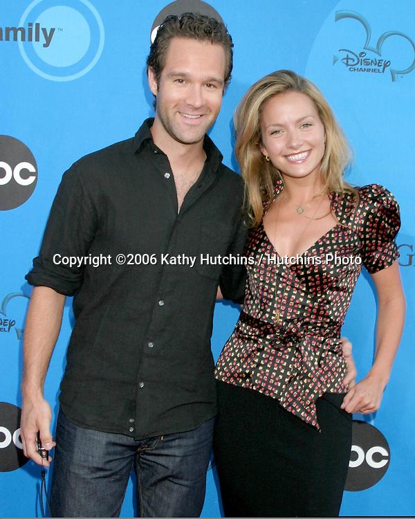 Becki Newton & husband.ABC Television Group TCA Party.Kids Space Museum.Pasadena, CA.July 19, 2006.©2006 Kathy Hutchins / Hutchins Photo....