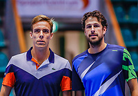 Rotterdam, Netherlands, December 12, 2017, Topsportcentrum, Ned. Loterij NK Tennis, Scott Griekspoor (NED) (L) and Robin Haase before the start of their match<br /> Photo: Tennisimages/Henk Koster