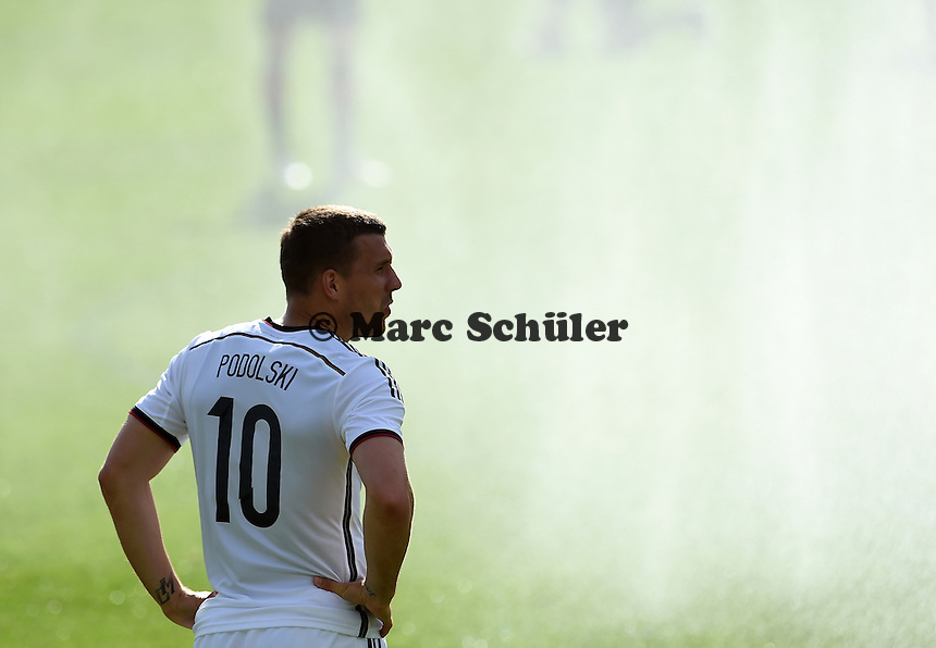 Vor Beregungsanlage:  Lukas PODOLSKI (Deutschland). - Testspiel der Deutschen Nationalmannschaft gegen die U20 im Rahmen der WM-Vorbereitung in St. Martin
