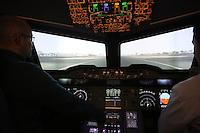 Im nachgebauten Cockpit des A380 erleben die Teilnehmer den Flug  aus der Sicht des Piloten