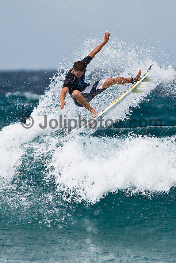 NICOLAU VON RUPP (PRT) surfing in the North Male Atolls, Maldives (Wednesday, June 17th, 2009). Photo: joliphotos.com
