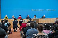 Fraktionsuebergreifend stellten am Montag den 6. Mai 2019 Bundestagsabgeordneten Annalena Baerbock, Bundesvorsitzende Buendnis 90 / Die Gruenen (2.v.r.); Katja Kipping, Parteivorsitzende der Linkspartei (3.vr.); Christine Aschenberg-Dugnus, gesundheitspolitische Sprecherin der FDP-Bundestagsfraktion (3.vl.); Hilde Mattheis, SPD (2.vl.) und Karin Maag, gesundheitspolitische Sprecherin der CDU/CSU-Bundestagsfraktion (1.vl.) einen alternativen Gesetzentwurf zur Organspende vor. Im Gegensatz zum Organspendegesetz von Gesundheitsminister Jens Spahn, setzten die Abgeordneten auf Freiwilligkeit zur Organspende und nicht auf die automatische Zustimmung, wenn kein Widerspruch vorliegt.<br /> 6.5.2019, Berlin<br /> Copyright: Christian-Ditsch.de<br /> [Inhaltsveraendernde Manipulation des Fotos nur nach ausdruecklicher Genehmigung des Fotografen. Vereinbarungen ueber Abtretung von Persoenlichkeitsrechten/Model Release der abgebildeten Person/Personen liegen nicht vor. NO MODEL RELEASE! Nur fuer Redaktionelle Zwecke. Don't publish without copyright Christian-Ditsch.de, Veroeffentlichung nur mit Fotografennennung, sowie gegen Honorar, MwSt. und Beleg. Konto: I N G - D i B a, IBAN DE58500105175400192269, BIC INGDDEFFXXX, Kontakt: post@christian-ditsch.de<br /> Bei der Bearbeitung der Dateiinformationen darf die Urheberkennzeichnung in den EXIF- und  IPTC-Daten nicht entfernt werden, diese sind in digitalen Medien nach §95c UrhG rechtlich geschuetzt. Der Urhebervermerk wird gemaess §13 UrhG verlangt.]