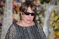RIO DE JANEIRO, 07 DE DEZEMBRO 2012 - MORTE OSCAR NIEMEYER -viúva de Niemeyer, Vera Lúcia Niemeyer durante velório do arquiteto Oscar Niemeyer realizado nesta sexta-feira (07) no Palácio da Cidade, no Rio de Janeiro (RJ). Niemeyer morreu aos 104 anos, no Hospital Samaritano, em Botafogo, onde estava internado em estado grave e respirando com a ajuda de aparelhos, por causa de uma infecção respiratória. FOTO: VANESSA CARVALHO - BRAZIL PHOTO PRESS.