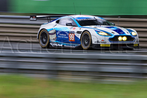 15.06.2016. Le Mans Circuit, Le Mans, France. Le Mans 24 Hours Practice and Qualifying. Aston Martin Racing Aston Martin Vantage GTE LMGTE Am driven by Andrew Howard, Liam Griffin and Gary Hirsch.