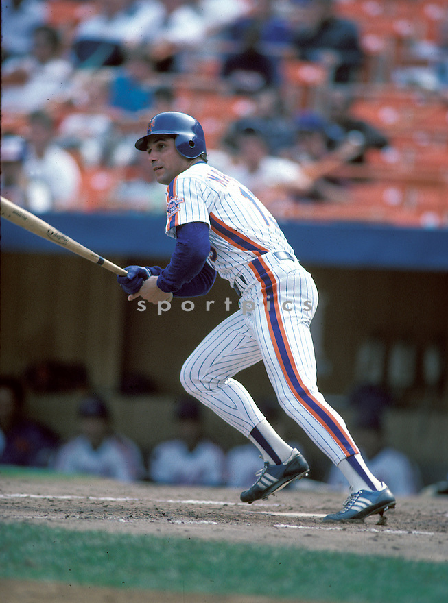 New York Mets Lee Mazzilli(13) in action during a game from his 1986 season at Shea Stadium in Flushing Meadows, New York.  Lee Mazzilli played for 14 years with 5 different teams and was a 1-time All-Star.David Durochik/SportPics