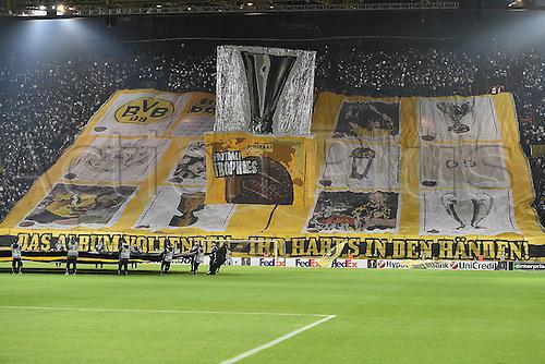 18.02.2016. Dortmund, Germany.  UEFA Europa League match at the Signal Iduna Park. Borussia Dortmund versus FC Porto.<br />  Dortmund Fans