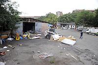 Roma, 1 Luglio 2011.Via Cave di Pietralata 102.Sgombero della comunità Rom Romena.con Polizia di Stato e Polizia municipale.
