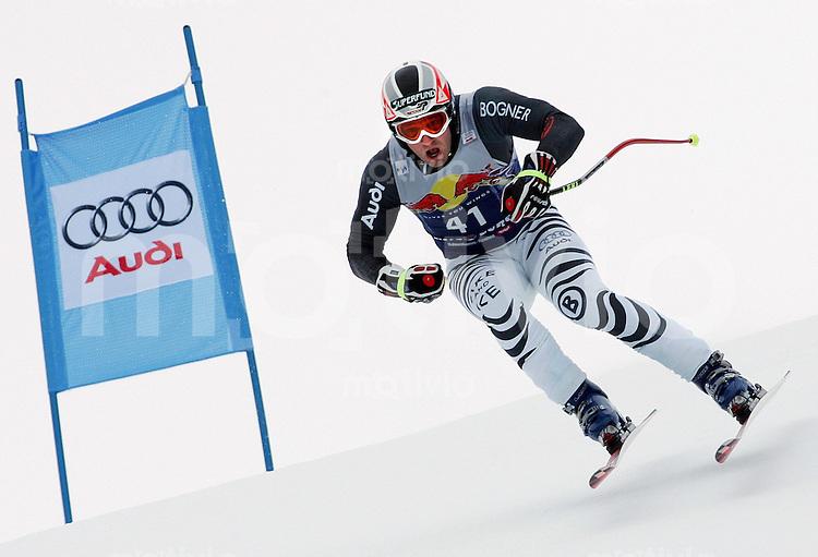 Ski Alpin; Saison 2004/2005 Abfahrt Herren Kitzbuehel 65. Hahnenkamm - Rennen Florian Eckert (GER) ; Einfahrt Zielhang