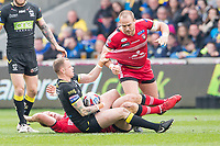 Picture by Allan McKenzie/SWpix.com - 07/04/2018 - Rugby League - Betfred Super League - Salford Red Devils v Warrington Wolves - AJ Bell Stadium, Salford, England - Warrington's Kevin Brown pulls down Salford's Lee Mossop as he's tackled.