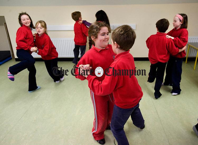 Erin Long and Theo Martin dancing a set at Ballyvaughan NS. Photograph by John Kelly.