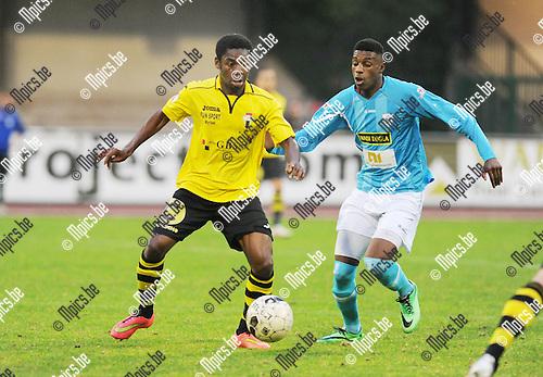 2014-09-06 / Voetbal / seizoen 2014-2015 / KV Turnhout - Berchem Sport / Noel Nyason (l. Berchem) met Said Bakari<br /><br />Foto: Mpics.be