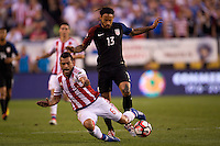 Action photo during the match USA vs Paraguay at Lincoln Financial Field, Copa America Centenario 2016. ---Foto  de accion durante el partido USA vs Paraguay, En el Lincoln Financial Field, Partido Correspondiante al Grupo - D -  de la Copa America Centenario USA 2016, en la foto: Miguel Samudio, Jermaine Jones