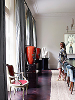 Sofia Barattieri di San Pietro in her London dining room