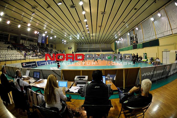 CEV Indesit Champions League Volleyball Saison 2009/2010 / 2. Spieltag<br /> Panathinaikos Athen ( GRE ) vs. VfB Friedrichshafen ( GER ) 0 - 3<br /> <br /> Geisterkulisse:<br /> Nur 100 Zuschauer im National Athletic Center Makis Liougas in Glyfada<br /> <br /> Foto &not;&copy; nph ( nordphoto ) *** Local Caption *** *** Local Caption *** <br /> Fotos sind ohne vorherigen schriftliche Zustimmung ausschliesslich f&radic;ľr redaktionelle Publikationszwecke zu verwenden.<br /> <br /> Auf Anfrage in hoeherer Qualitaet/Aufloesung