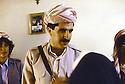 Irak 1991.Nechirvan Barzani reçu chez une famille à Duhok.Iraq 1991.Nechirvan Barzani visiting a family in Duhok