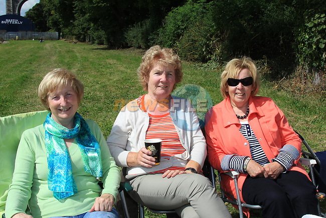 Bridie Fallon, Meave Cunningham and Vera Floody<br /> the monday morning club meeting for a picnic on Doners green.<br /> Picture:  Fran Caffrey / www.newsfile.ie