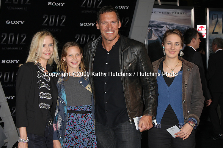 "Ralf Moeller.arriving at the ""2012"" Premiere.Regal 14 Theaters at LA Live.West Hollywood,  CA.November 3, 2009.©2009 Kathy Hutchins / Hutchins Photo."