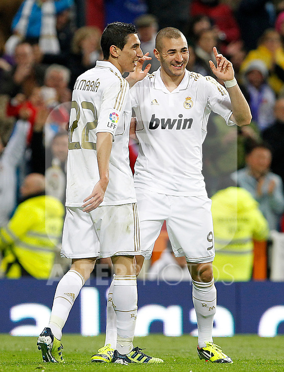 Real Madrid's Karim Benzema (r) and Angel Di Maria celebrate goal during La Liga match.April 14,2012. (ALTERPHOTOS/Acero)