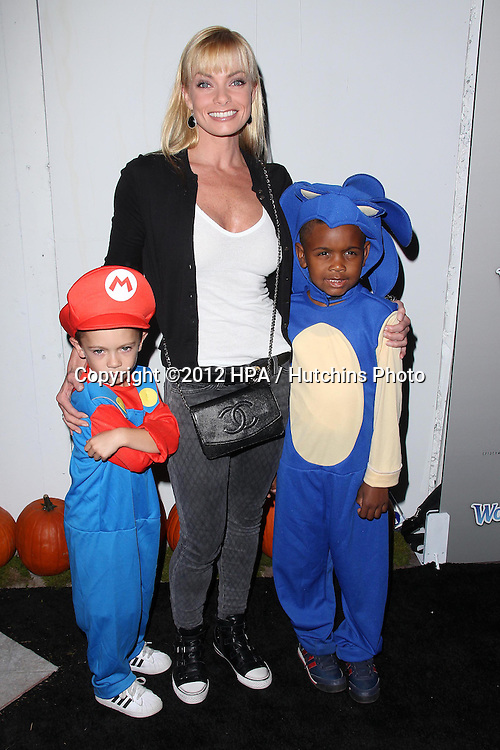 LOS ANGELES - OCT 27:  Jaime Pressly arrives at EBMRF And PlayStation Epic Halloween Bash at Private Location on October 27, 2012 in Los Angeles, CA