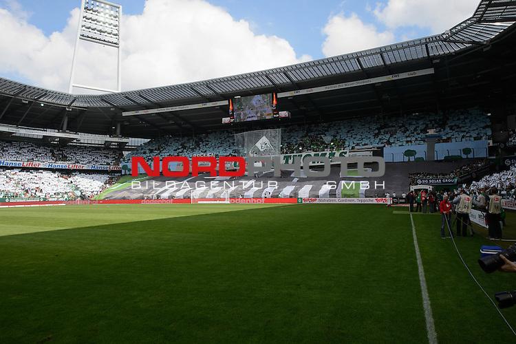 15.08.2013, Weser Stadion, Bremen, GER, 1.FBL, Werder Bremen vs FC Augsburg, im Bild<br /> <br /> Dank an Thomas Schaaf von den Fans Coriografie<br /> Foto &copy; nph / Kokenge