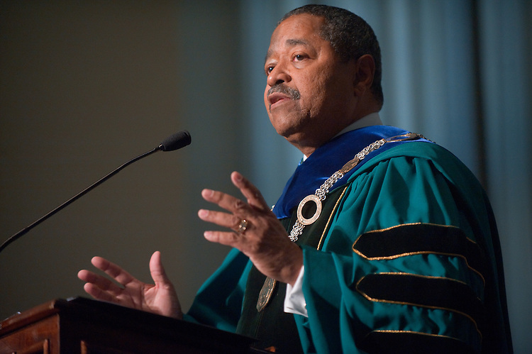 19189Founders Day Convocation Feb 6, 2009..Dr. McDavis speaking