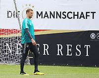Torwart Manuel Neuer (Deutschland Germany) wieder der Erste beim Training und tut alles für sein Ziel mit zum WM-Kader für die WM2018 in Russland zu gehören - 29.05.2018: Training der Deutschen Nationalmannschaft gegen die U20 zur WM-Vorbereitung in der Sportzone Rungg in Eppan/Südtirol