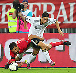 03.06.2011, Ernst Happel Stadion, Wien, AUT, UEFA EURO 2012, Qualifikation, Oesterreich (AUT) vs Deutschland (GER), im Bild Zweikampf zwischen Paul Scharner, (AUT, #16) und Mesut Oezil, (GER, #8)  // during the UEFA Euro 2012 Qualifier Game, Austria vs Germany, at Ernst Happel Stadium, Vienna, 2010-06-03, EXPA Pictures © 2011, PhotoCredit: EXPA/ T. Haumer