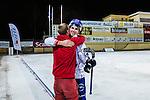 Bolln&auml;s 2013-10-25 Bandy Elitserien Bolln&auml;s GIF - Edsbyns IF :  <br /> Edsbyn Simon Jansson gratuleras Edsbyn supporter efter matchen<br /> (Foto: Kenta J&ouml;nsson) Nyckelord:  jubel gl&auml;dje lycka glad happy