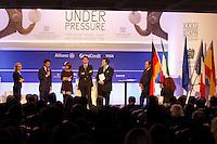 CAPRI  27/10/2012 -.XXVII CONVEGNO GIOVANI INDUSTRIALI .NELLA FOTO FIRMA PROTOCOLLO PER CONFINDUSTRIA GIOVANE EUROPEA.FOTO CIRO DE LUCA