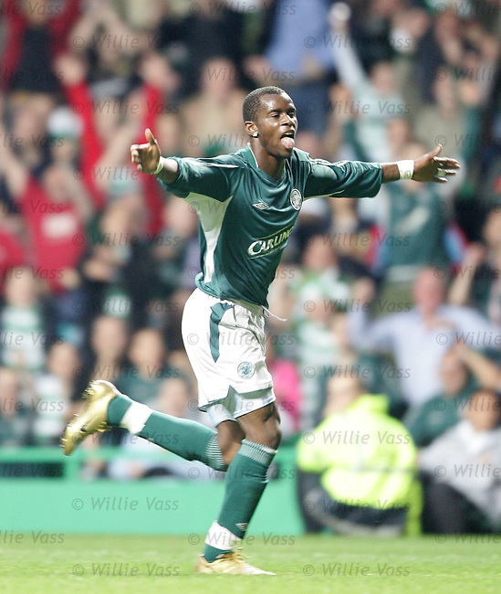 Henri Camara, Celtic.stock season 2004-2005.pic willie vass