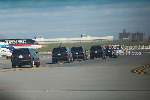 President-elect Trump's motorcade approaches his private plane at  Laguardia Airport as Mr. Trump departs for a series of visits to Indianapolis and Cincinnati, in New York, NY, USA on December 1, 2016. <br /> Credit: Albin Lohr-Jones / Pool via CNP