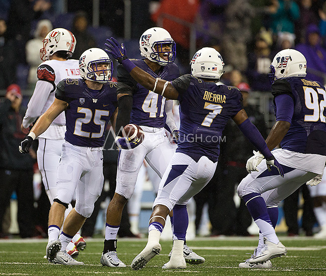 Immediately following a Dwayne Washington fumble, Travis Feeney recovered a Utah fumble to give the Huskies the ball.