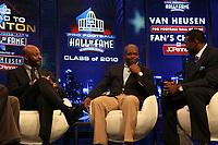 Neu-Hall-of-Famer Emmitt Smith (M.) mit Jerry Rice und Michael Irvin<br /> NFL Hall of Fame PK *** Local Caption *** Foto ist honorarpflichtig! zzgl. gesetzl. MwSt. Auf Anfrage in hoeherer Qualitaet/Aufloesung. Belegexemplar an: Marc Schueler, Alte Weinstrasse 1, 61352 Bad Homburg, Tel. +49 (0) 151 11 65 49 88, www.gameday-mediaservices.de. Email: marc.schueler@gameday-mediaservices.de, Bankverbindung: Volksbank Bergstrasse, Kto.: 52137306, BLZ: 50890000