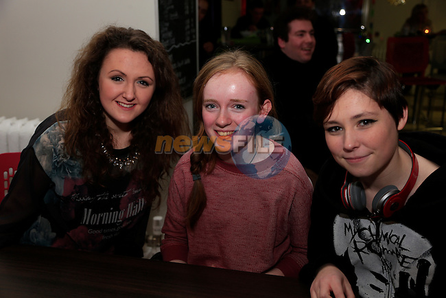 Jade Quinn Shauna Kelly and Holly McKeown at Featuring X performing in Boomerang Cafe <br /> Picture: Fran Caffrey www.newsfile.ie