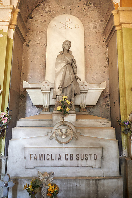 Picture of the stone sculpture of a women in Art Nouveau style. The G.B. Susto Family Tomb sculpted by L Beltrami in 1904. The monumental tombs of the Staglieno Monumental Cemetery, Genoa, Italy
