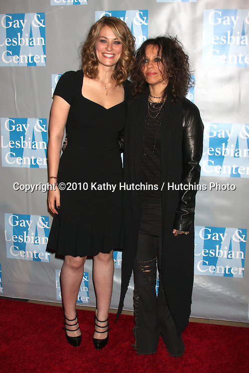 Clementine Ford & Linda Perry.arrives at An Evening with Women - LA Gay & Lesbian Center's Gala.Beverly Hilton Hotel.Beverly Hills, CA.May 1, 2010.©2010 Kathy Hutchins / Hutchins Photo...