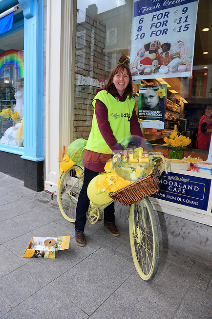 Tina Kennedy<br /> Daffodil day on West Street<br /> Picture: www.newsfile.ie