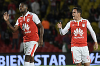 BOGOTÁ - COLOMBIA, 20-10-2018: Leyvin Balanta y Luis Manuel Seijas jugadores de Santa Fe reaccionan durante el encuentro entre Independiente Santa Fe y La Equidad por la fecha 16 de la Liga Águila II 2018 jugado en el estadio Nemesio Camacho El Campin de la ciudad de Bogotá. / Leyvin Balanta and Luis Manuel Seijas player of Santa Fe react during match between Independiente Santa Fe and La Equidad for the date 16 of the Aguila League II 2018 played at the Nemesio Camacho El Campin Stadium in Bogota city. Photo: VizzorImage / Gabriel Aponte / Staff