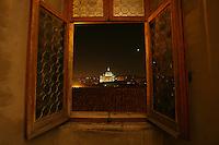 La Basilica di San Pietro vista attraverso una finestra di Castel Sant'Angelo<br /> The Saint Peter Basilica