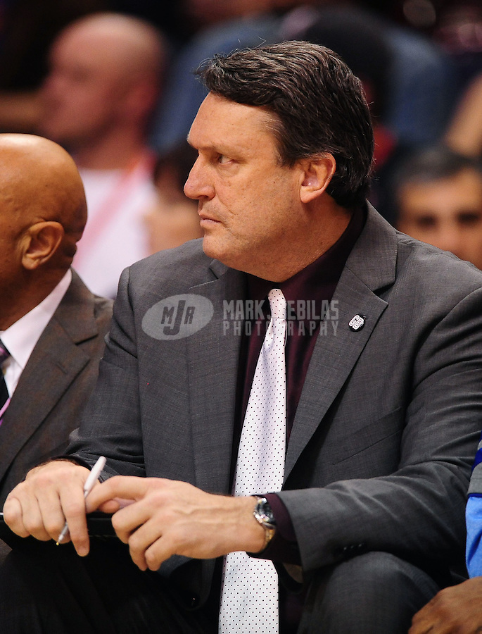 Jan. 28, 2012; Phoenix, AZ, USA; Memphis Grizzlies assistant coach Bob Thornton against the Phoenix Suns at the US Airways Center. The Suns defeated the Grizzlies 86-84. Mandatory Credit: Mark J. Rebilas-USA TODAY Sports