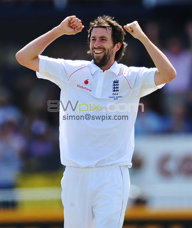 PICTURE BY ALEX BROADWAY/SWPIX.COM - Cricket - The Ashes 2009 4th Test - England v Australia, Day One - Headingly, Leeds, England - 08/08/09...Copyright - Simon Wilkinson - 07811267706...England's Graham Onions celebrates the wicket of Australia's Michael Clarke.