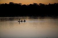 Ibiai_MG, Brasil...Rio Sao Francisco, o rio da integracao nacional. Na foto, um garoto no rio...The Sao Francisco river, It is an important river for Brazil, called the river of national integration. In this photo, a boy in front of the river...Foto: LEO DRUMOND / NITRO