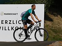 Torwart Manuel Neuer (Deutschland Germany) kommt mit dem Fahrrad - 26.05.2018: Training der Deutschen Nationalmannschaft zur WM-Vorbereitung in der Sportzone Rungg in Eppan/Südtirol