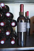 Wine shop. Domaine Enclos de la Croix, Languedoc, France